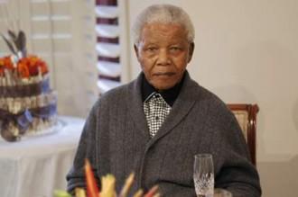 Afrique du Sud : Nelson Mandela sort de l'hôpital