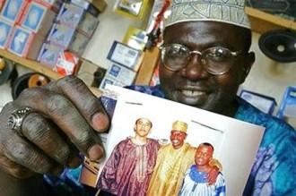 Kenya : Le demi-frère dÂ'Obama se lance dans la politique