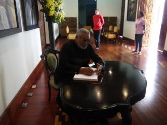 Ghana : Hommage : Ce que Rawlings a écrit au défunt Président Chavez