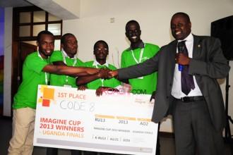 Ouganda : Quatre étudiants inventent une application mobile pour détecter le paludisme