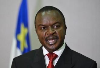 Centrafrique: Le président par intérim garantit la sécurité aux déplacés de Bangui