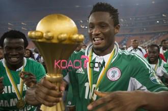 Football-Ballon dÂ'or 2013 : La famille dÂ'Obi Mikel accuse Issa Hayatou de partialité