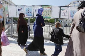 ALGERIE : Urnes cherchent désespérément électeurs.