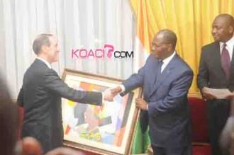 Claude Guéant chez Ouattara: «Pas de séjours abusifs!»