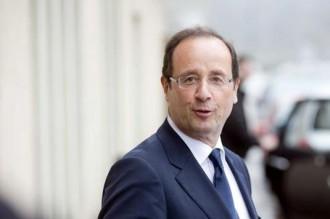 CAMEROUN : Paul Biya courtise François Hollande, sa victoire une «nouvelle terrible» pour les dictateurs