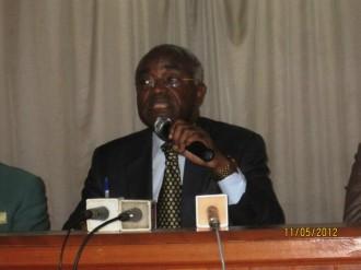 TRIBUNE GABON : Point de presse de Jean Eyeghe Ndong, que d'insultes et de mensonges