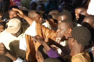 Vive polémique autour du parti de Macky Sall
