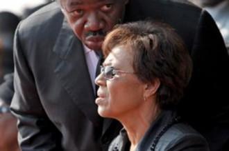 La présidente de transition au Gabon, Rose Rogombe, dénie de lÂ'histoire ?