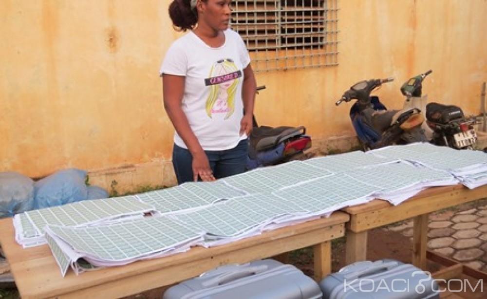 Burkina Faso : Plus de 40.000 timbres contrefaits saisis à l'aéroport de Ouagadougou