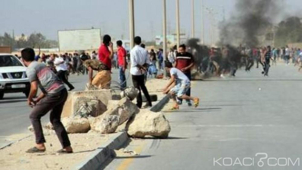 Libye : Au moins 5 morts et 30 blessés dans des tirs d'obus  à Benghazi