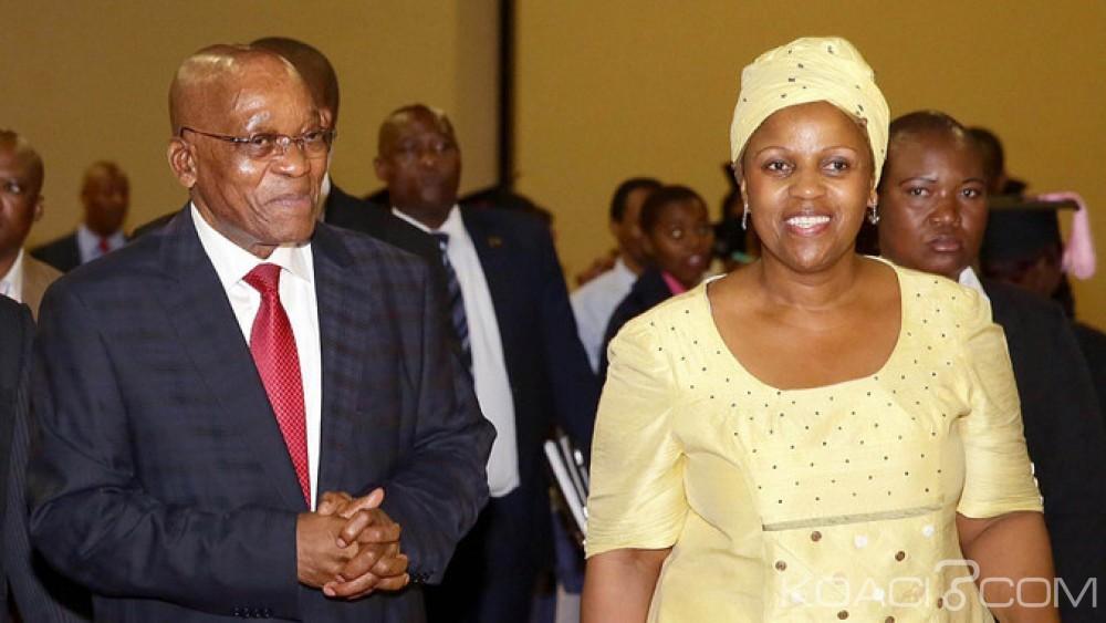 Afrique du Sud : Zuma  rejette des  rumeurs  sur une relations amoureuse après le limogeage du ministre des finances