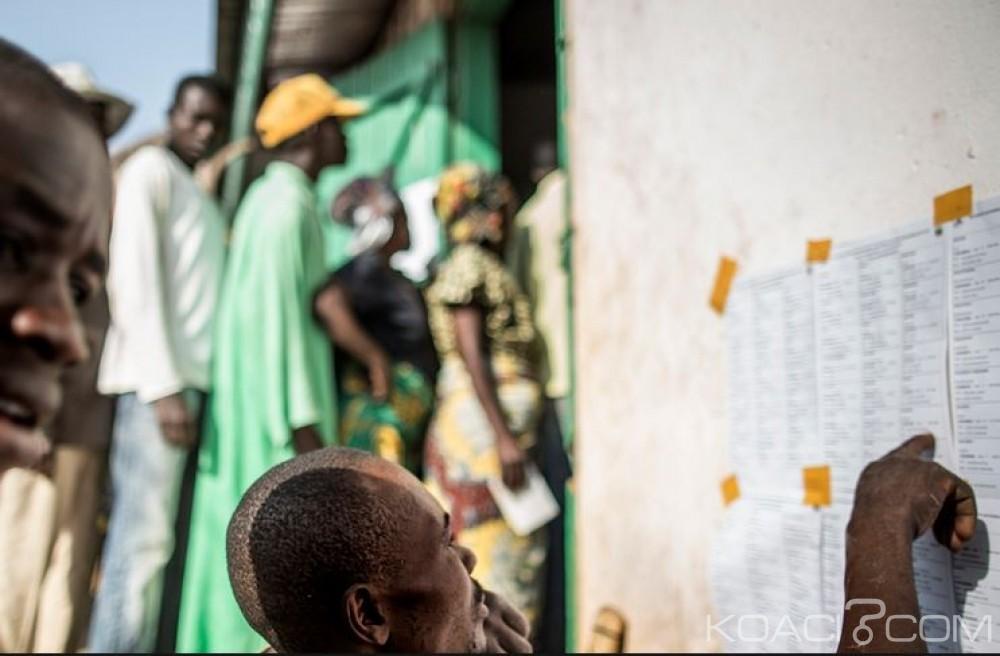 Centrafrique: 2 millions de centrafricains se rendent aux urnes pour choisir entre Touadéra et Dologuelé