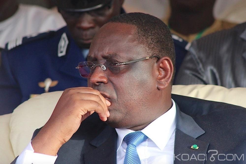 Sénégal: Un article sur Sall qui fume sème la panique au sommet de l'État