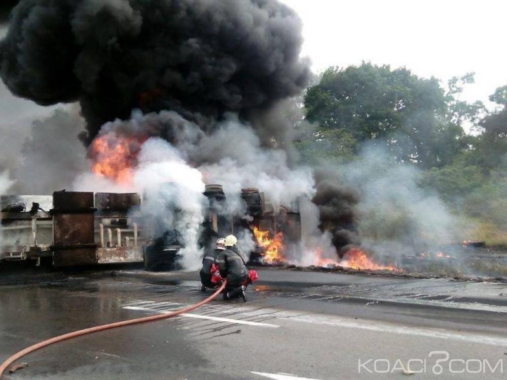 Côte d'ivoire: Un Camion de 38000L d'hydrocarbures en Feu sur l'autoroute de Yamoussoukro