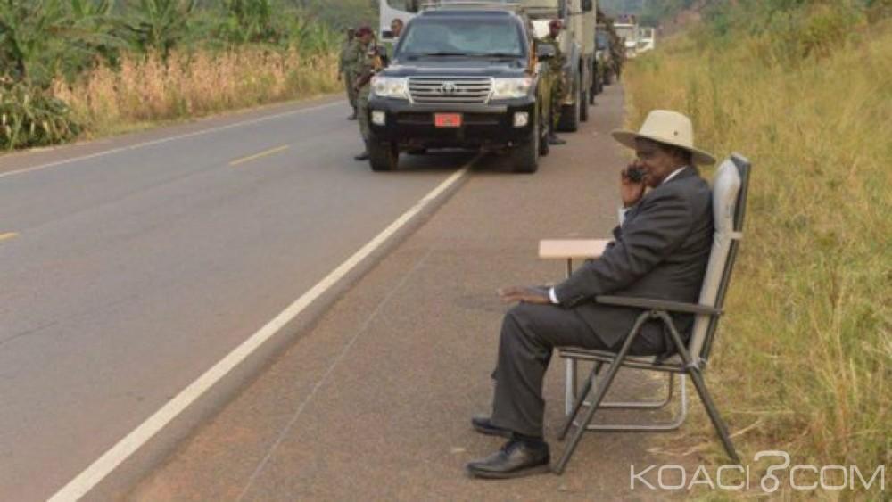 Ouganda:  Museveni stoppe son cortège pour passer un coup de fil