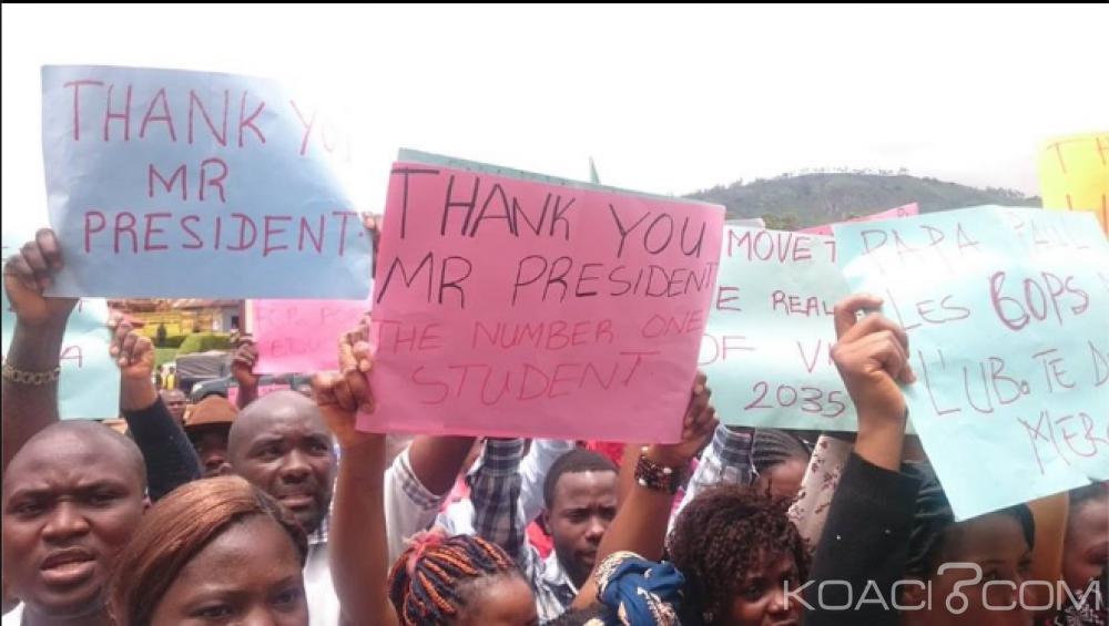 Cameroun: La majorité fait descendre des «étudiants» dans la rue pour chanter des louanges au président