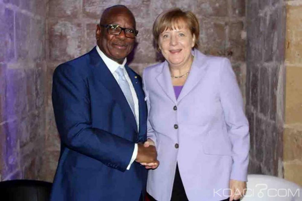 Mali: Angela Merkel à Bamako dans le cadre d'une visite de travail