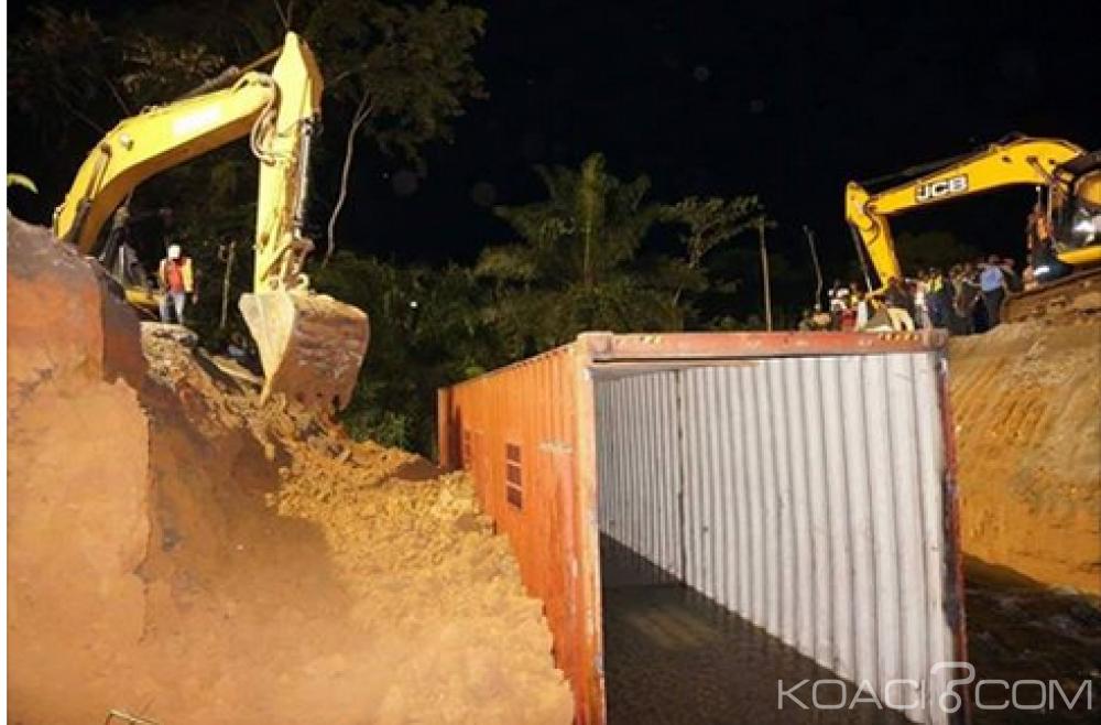 Cameroun : La route Douala -Yaoundé réparée avec un conteneur
