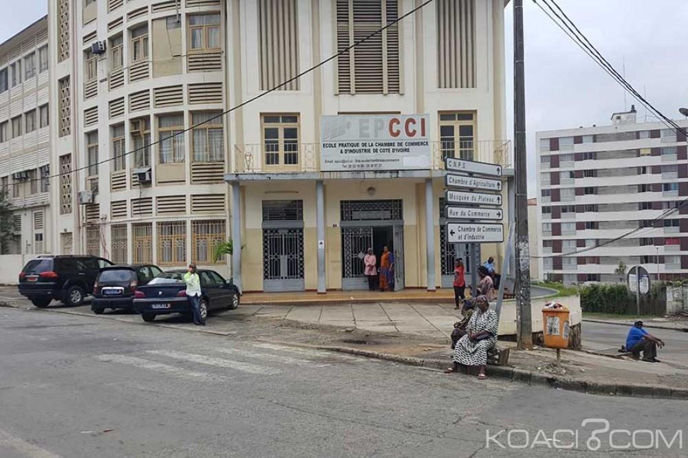 Côte d'Ivoire: Jour de referendum, on attend les votants et on tue l'ennui dans les bureaux de vote, incidents à Gagnoa...