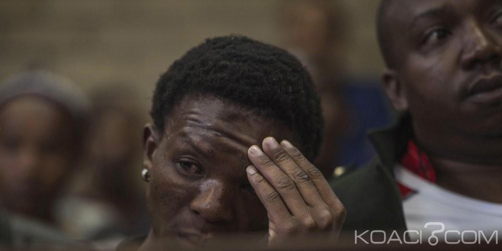 Afrique du Sud: Les  deux fermiers racistes  maintenus en détention