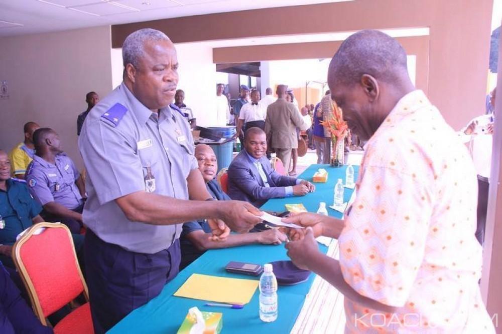 Côte d'Ivoire:  407 retraités militaires et gendarmes ont percu des chèques d'un montant total de 1,890 milliards de FCFA du FPM