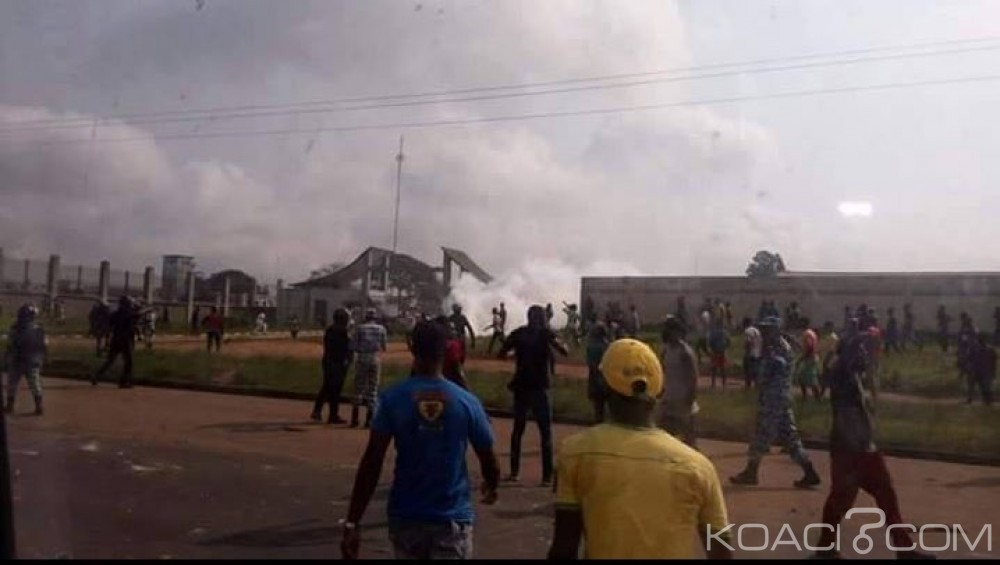 Côte d'Ivoire: Université Nangui Abrogoua, affrontement entre étudiants et chauffeurs de Gbaka