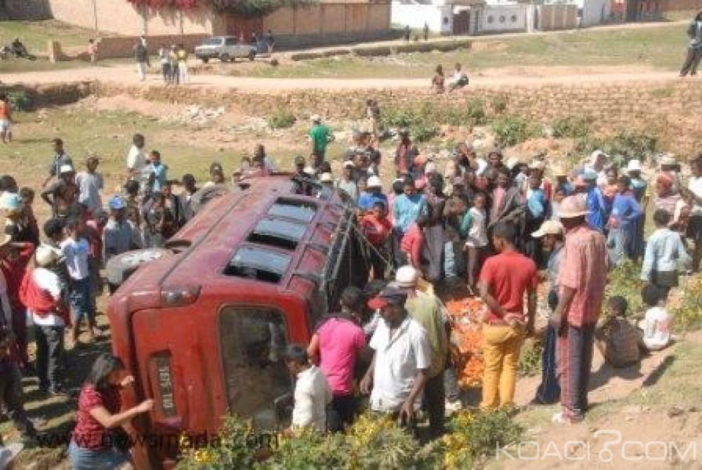 Madagascar: Un camion  finit dans une rivière après un mariage, 47 morts dont les mariés et 22 blessés