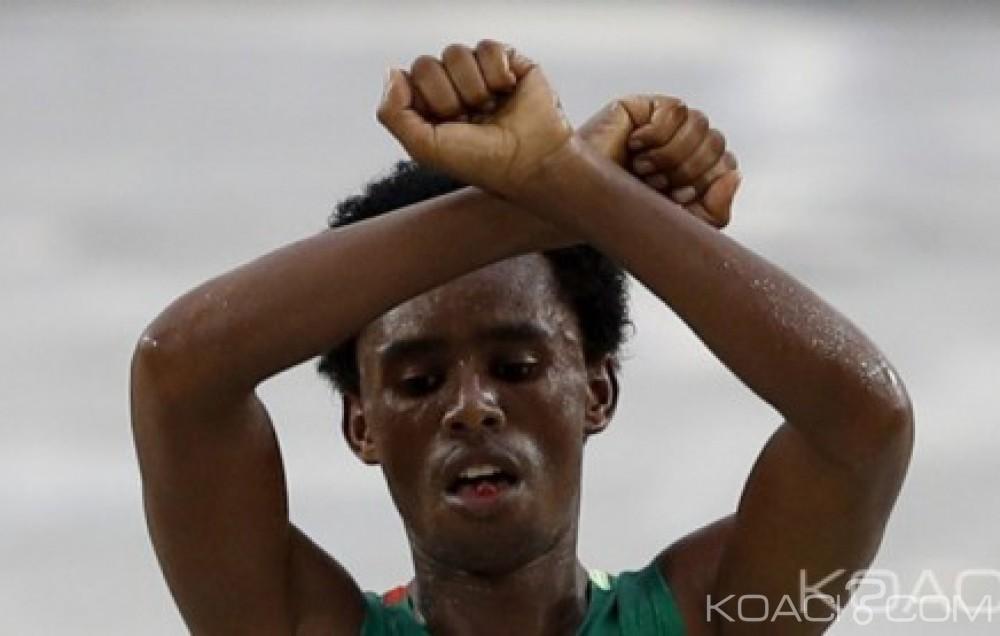 Ethiopie: Après avoir défié le pouvoir à Rio,  le marathonien Feyisa Lilesa de retour