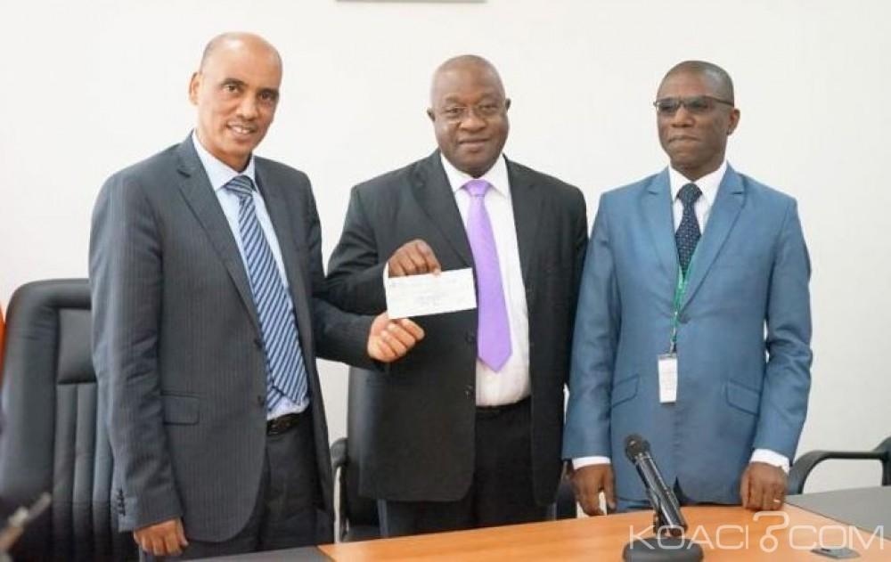 Côte d'Ivoire: Téléphonie mobile, l'opérateur «Moov» renouvelle sa licence au Trésor
