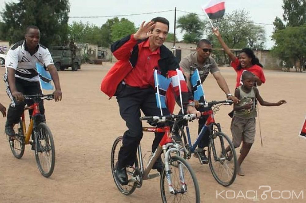 Botswana: Permis de travail après la présidence