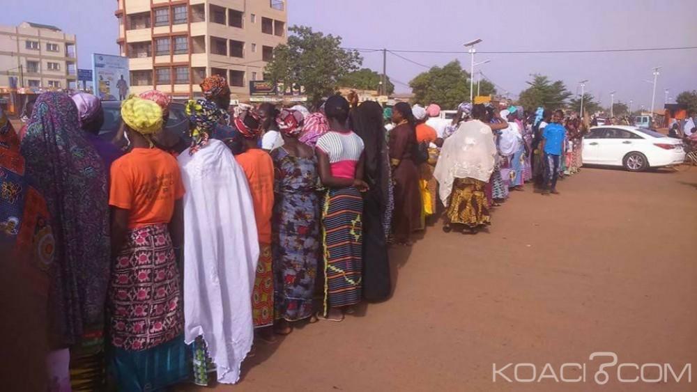 Burkina Faso: Des «mamies»  marchent à Ouagadougou contre l'agression d'une artiste