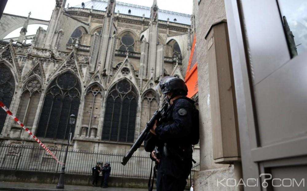 Algérie: Attaque au couteau à Paris, l'assaillant revendique être «un soldat du califat»