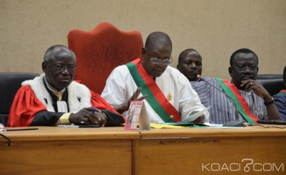 Burkina Faso: Le procès du gouvernement Compaoré suspendu en attendant la correction des textes jugés contraires à la constitution