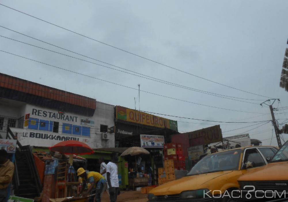 Cameroun: Un retraité en état d'ébriété blessé à la lame par des lycéens à la sortie d'un bar