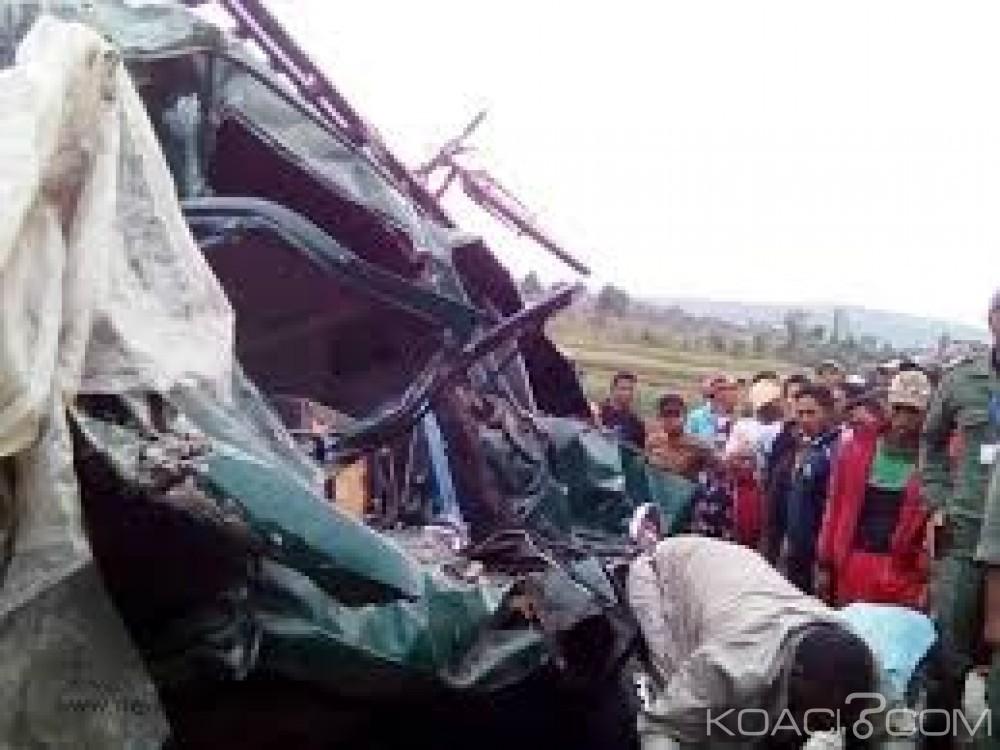 Madagascar:  Un bus transportant des chrétiens chute dans un ravin, 34 morts