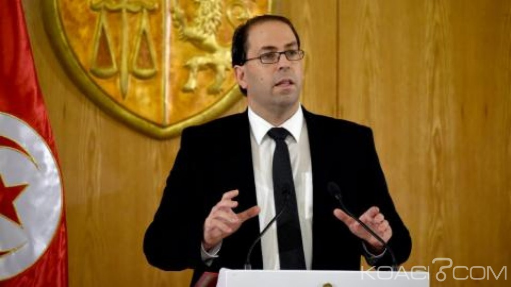 Tunisie: Vaste remaniement, trois  ministres de Ben Ali reprennent  fonction
