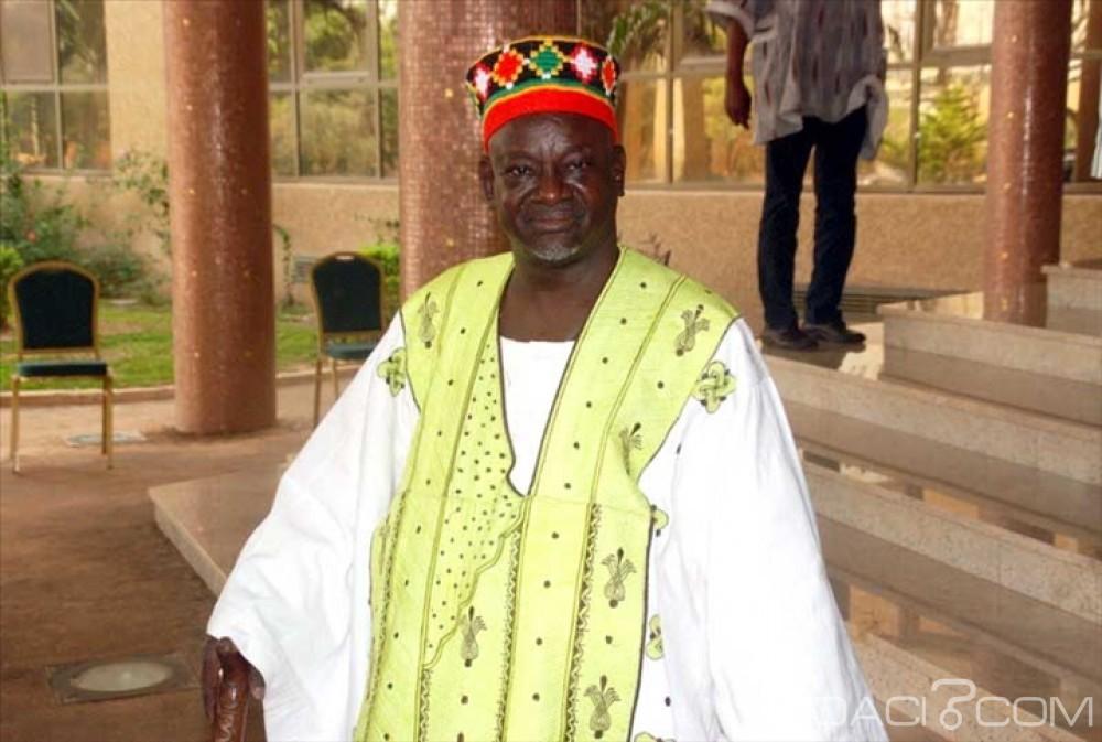 Burkina Faso:  Le Mogho Naaba, lauréat du «Prix Macky SALL pour le dialogue en Afrique»