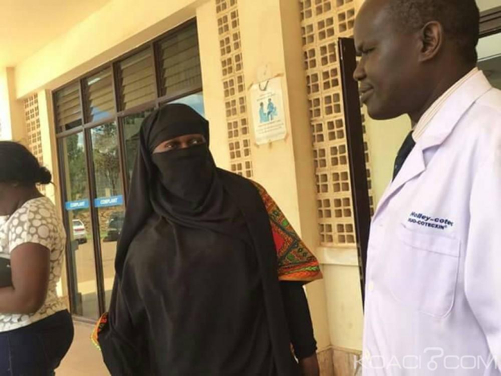 Ouganda:  Déguisée,  la ministre de la santé épingle deux travailleurs corrompus