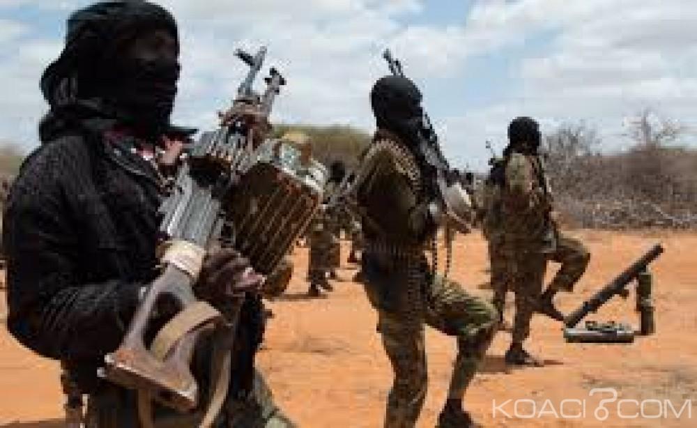 Somalie: Un camp de l'armée  attaqué et pillé par Al Shabaab, huit soldats tués