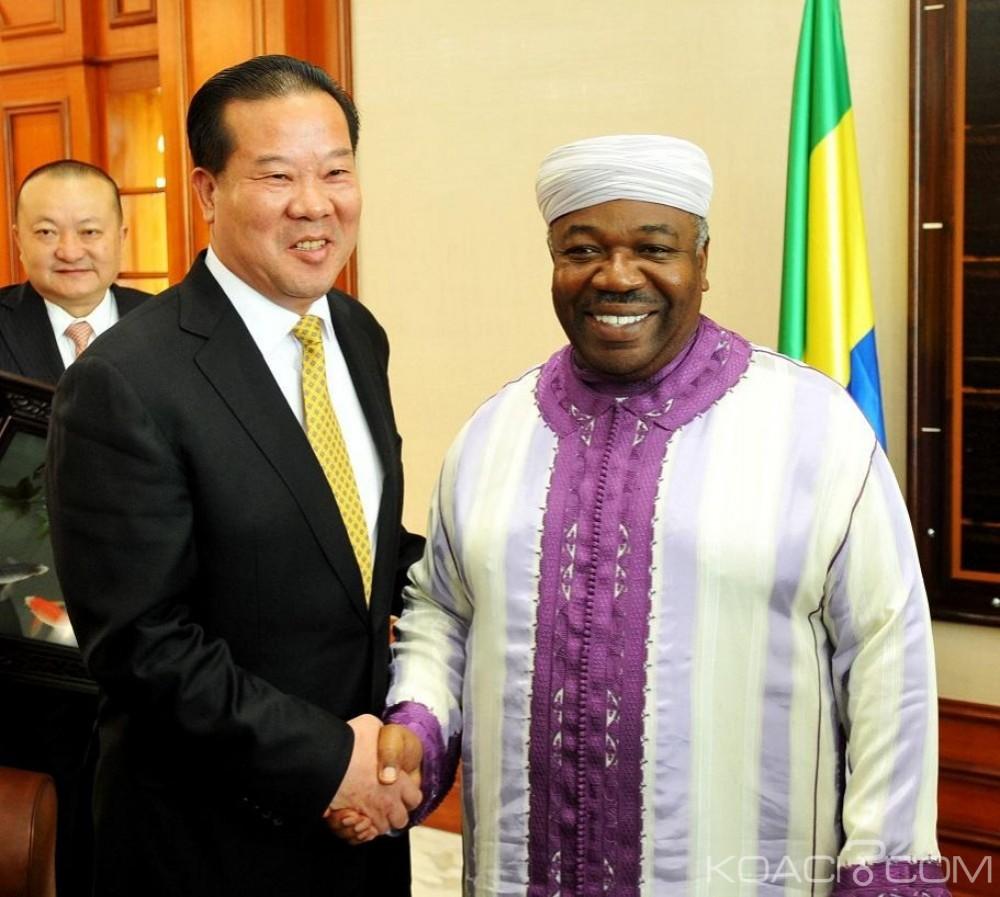 Gabon: Après les appétits chinois, Ali Bongo inspecte la nouvelle unité mobile du Service de santé militaire