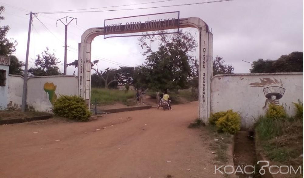 Côte d'Ivoire: Absence de table-bancs, nombre pléthorique dans les classes, les élèves observent un arrêt des cours au lycée Djibo Sounkalo de Bouaké