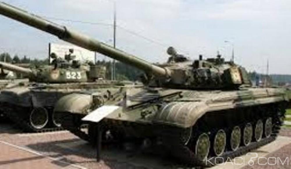 Zimbabwe: Des chars aperçus à Harare, le chef de l'armée accusé de «trahison» par le parti au pouvoir