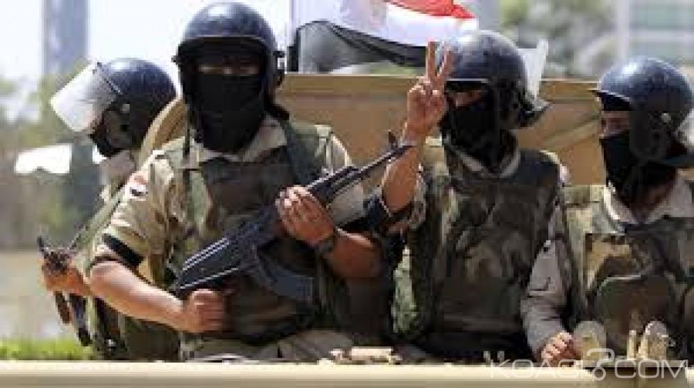 Egypte: L'armée de l'air détruit dix véhicules bourrés d'armes à la frontière libyenne