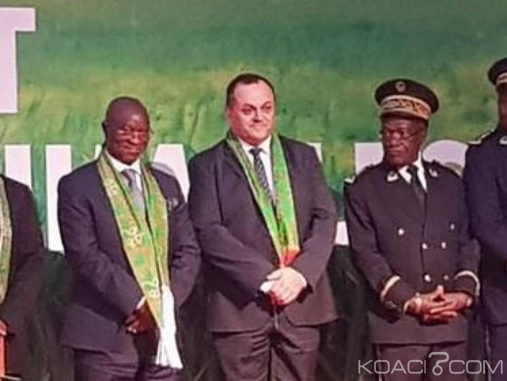 Côte d'Ivoire: Jean Paul Denoix décoré au Sara pour avoir initié les filières courtes entre les producteurs ivoiriens et la grande distribution