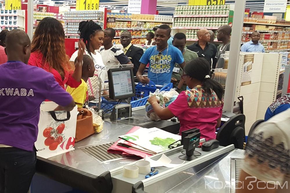 Côte d'Ivoire: Fêtes de fin d'année, malgré les embouteillages et la pluie, les centres commerciaux font déjà le plein