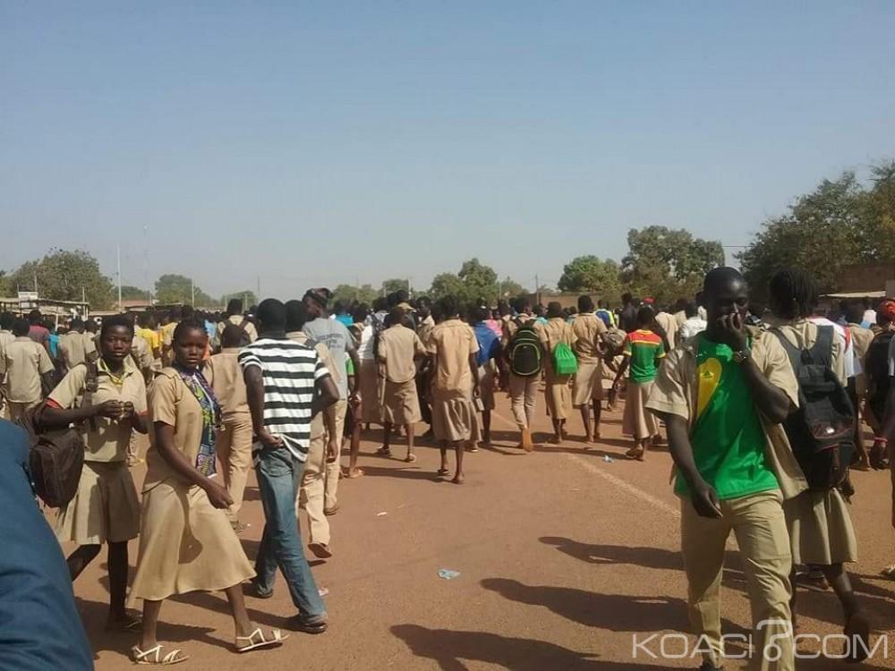 Burkina Faso: Manifestation d'élèves contre la dissolution de la maire de Saponé