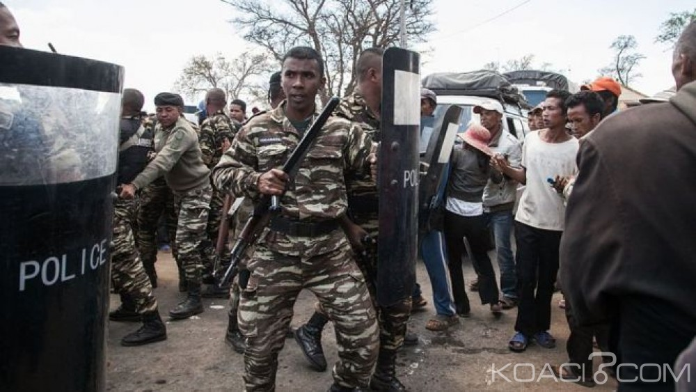 Madagascar: Pour fuir la colère des habitants, des magistrats s'échappent par hélicoptère