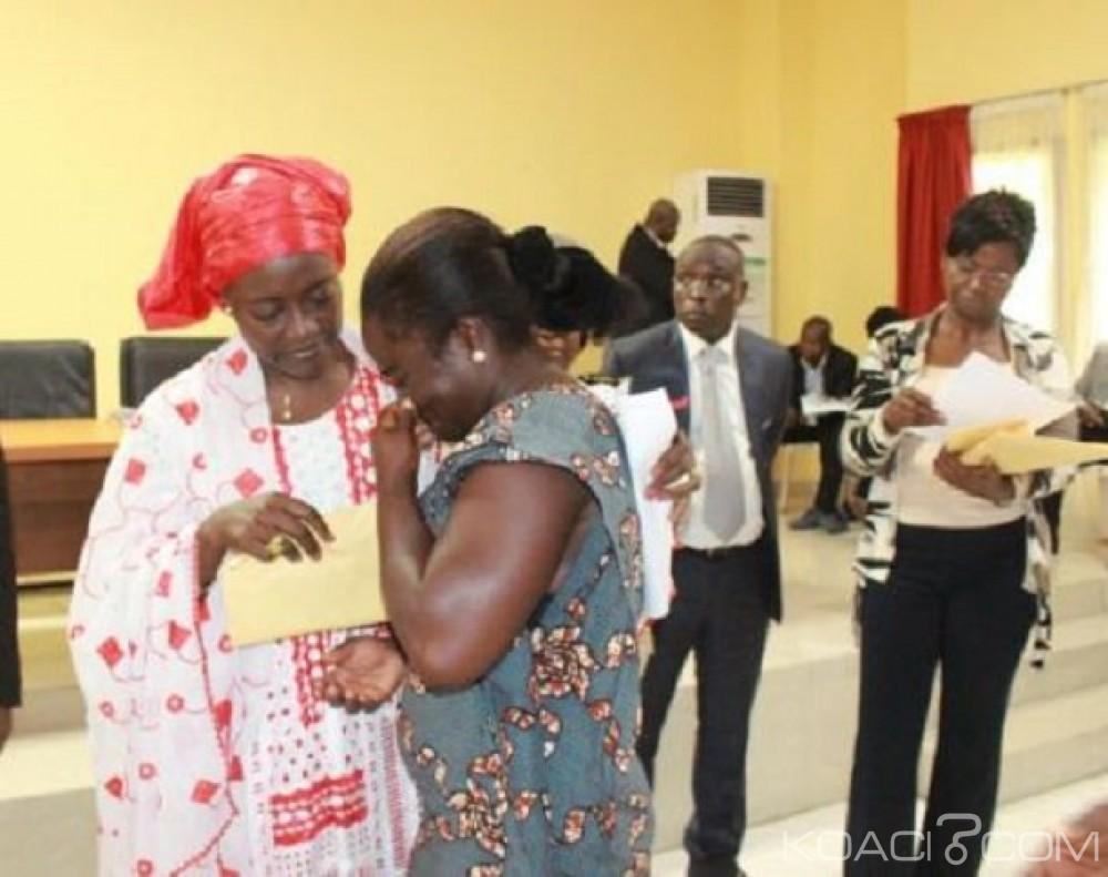 Côte d'Ivoire: Drame d'Adiaké, ministres et cadres de la région apportent soutiens financiers aux familles endeuillées pour l'organisation des obsèques