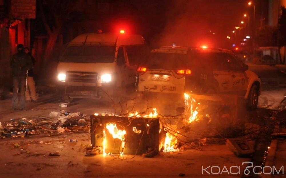 Tunisie:  Un mort dans des manifestations nocturnes contre la cherté de la vie