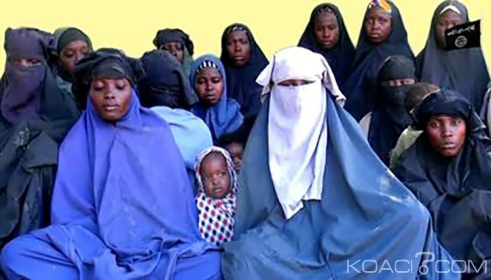 Nigeria: Des lycéennes vantent le califat  dans une vidéo et appellent Skekau leur «père»